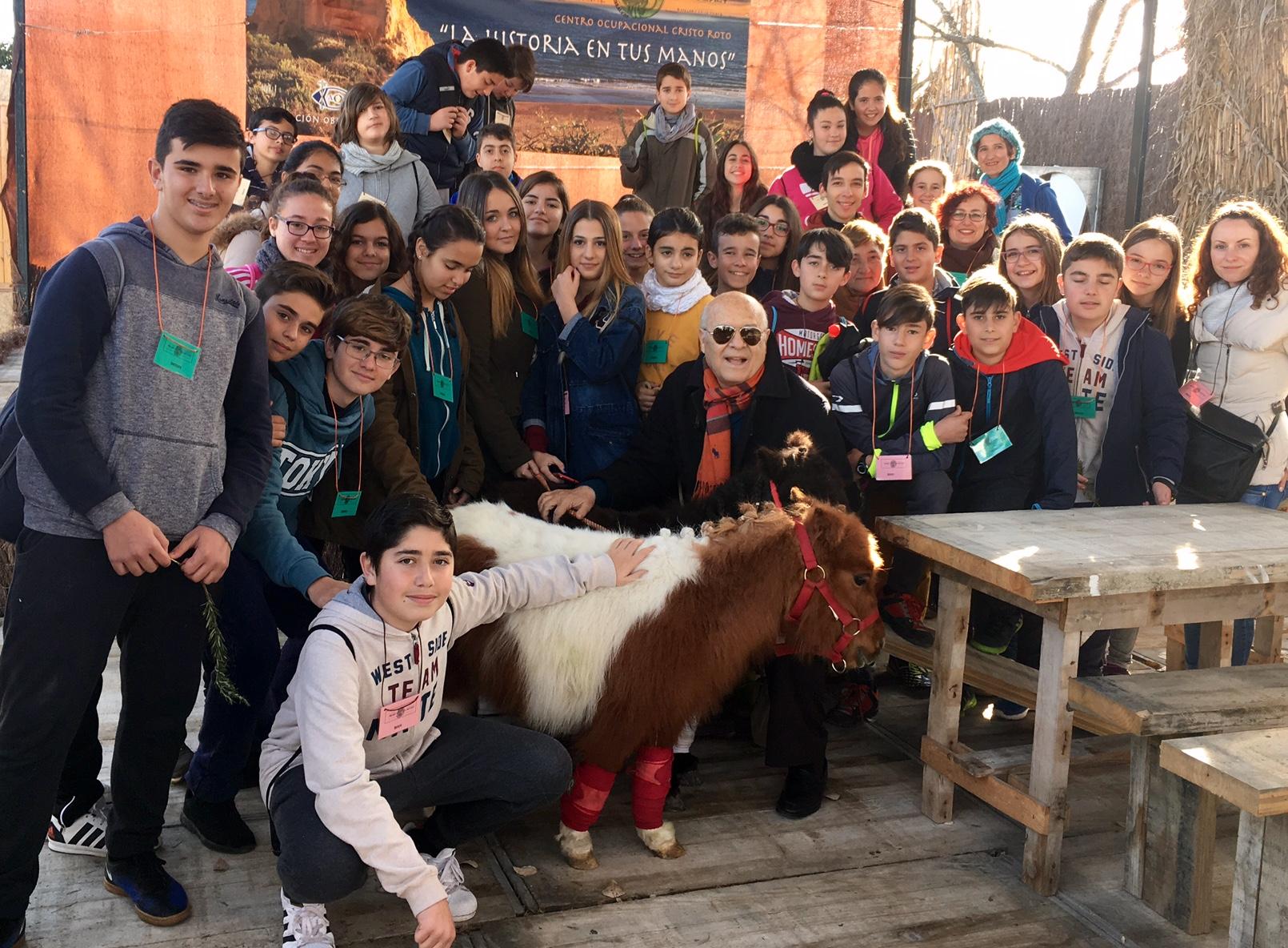 El IES Fuentepiña visita el poblado tartésico en Gibraleón