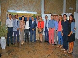 Autoridades y participantes en el acto inagural del Poblado Tartésico